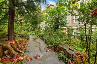 "Photo 18: 205 960 LYNN VALLEY Road in North Vancouver: Lynn Valley Condo for sale in ""Balmoral House"" : MLS®# R2502603"