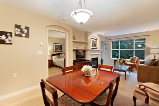 "Photo 4: 205 960 LYNN VALLEY Road in North Vancouver: Lynn Valley Condo for sale in ""Balmoral House"" : MLS®# R2502603"