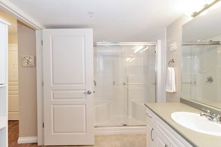 "Photo 12: 205 960 LYNN VALLEY Road in North Vancouver: Lynn Valley Condo for sale in ""Balmoral House"" : MLS®# R2502603"