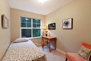 "Photo 10: 205 960 LYNN VALLEY Road in North Vancouver: Lynn Valley Condo for sale in ""Balmoral House"" : MLS®# R2502603"