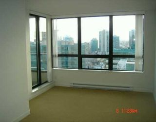Photo 2: 1530 938 Smithe Street in Vancouver: DT Downtown Condo for sale (Vancouver West)  : MLS®# V620546