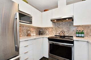 "Photo 9: 106 2588 ALDER Street in Vancouver: Fairview VW Condo for sale in ""BOLLERT PLACE"" (Vancouver West)  : MLS®# R2429460"