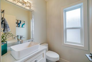 Photo 2: 6968 205 Street in Langley: Willoughby Heights House for sale : MLS®# R2431712