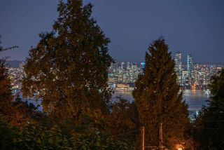Photo 15: 120 E KENSINGTON Road in North Vancouver: Upper Lonsdale House for sale : MLS®# R2436030
