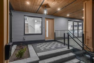 Photo 2: 1084 DORAN Road in North Vancouver: Lynn Valley House for sale : MLS®# R2459153