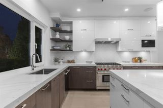 Photo 4: 1084 DORAN Road in North Vancouver: Lynn Valley House for sale : MLS®# R2459153