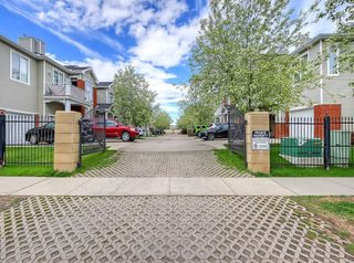 Photo 35: 601 8000 WENTWORTH Drive SW in Calgary: West Springs Row/Townhouse for sale : MLS®# C4300178