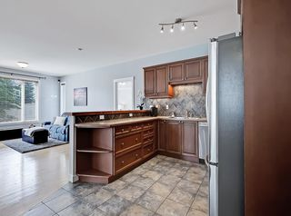 Photo 9: 601 8000 WENTWORTH Drive SW in Calgary: West Springs Row/Townhouse for sale : MLS®# C4300178