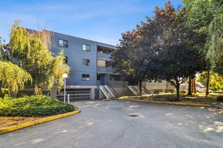 "Photo 18: 102 17661 58A Avenue in Surrey: Cloverdale BC Condo for sale in ""Wyndham Estates"" (Cloverdale)  : MLS®# R2483711"