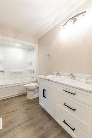 Photo 8: 14 Stoney Creek Drive in Blumenort: R16 Residential for sale : MLS®# 202024782