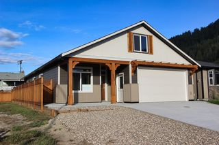 Main Photo: 203 Ash Drive: Chase House for sale (Shuswap)  : MLS®# 152672