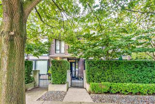 "Photo 18: 157 W 2ND Street in North Vancouver: Lower Lonsdale Townhouse for sale in ""Sky"" : MLS®# R2407820"