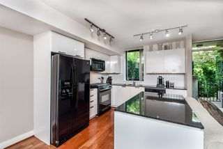 "Photo 4: 157 W 2ND Street in North Vancouver: Lower Lonsdale Townhouse for sale in ""Sky"" : MLS®# R2407820"