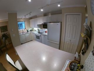 Photo 11: 224 5780 TRAIL Avenue in Sechelt: Sechelt District Condo for sale (Sunshine Coast)  : MLS®# R2425623