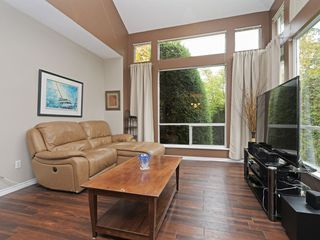 "Photo 2: 13 181 RAVINE Drive in Port Moody: Heritage Mountain Townhouse for sale in ""VIEWPOINT"" : MLS®# R2426808"