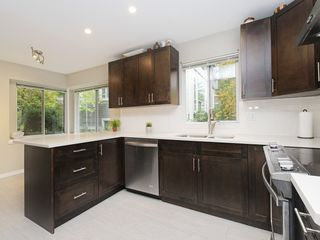 "Photo 9: 13 181 RAVINE Drive in Port Moody: Heritage Mountain Townhouse for sale in ""VIEWPOINT"" : MLS®# R2426808"