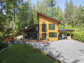 "Photo 2: 1097 - 1099 EMERY Road: Roberts Creek House for sale in ""Heart of the creek"" (Sunshine Coast)  : MLS®# R2427005"