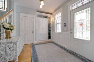 Photo 4: 9731 88 Avenue in Edmonton: Zone 15 House for sale : MLS®# E4191323