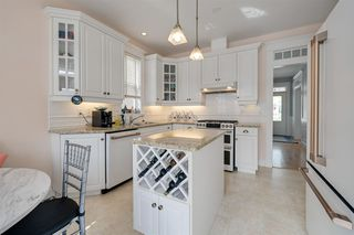 Photo 7: 9731 88 Avenue in Edmonton: Zone 15 House for sale : MLS®# E4191323