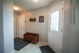 Photo 2: 231 Jacques Avenue in Winnipeg: Kildonan Estates Residential for sale (3J)  : MLS®# 202007787