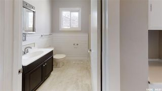 Photo 4: 319 M Avenue North in Saskatoon: Westmount Residential for sale : MLS®# SK806635