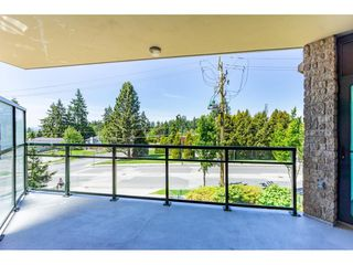 """Photo 20: 203 14824 NORTH BLUFF Road: White Rock Condo for sale in """"Belaire"""" (South Surrey White Rock)  : MLS®# R2459201"""