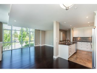 """Photo 6: 203 14824 NORTH BLUFF Road: White Rock Condo for sale in """"Belaire"""" (South Surrey White Rock)  : MLS®# R2459201"""