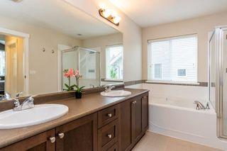 Photo 8: 2049 Merlot Boulevard in Abbotsford: Aberdeen House for sale : MLS®# R2386403