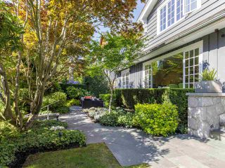 Photo 1: 6272 MACKENZIE STREET in Vancouver: Kerrisdale House for sale (Vancouver West)  : MLS®# R2477433