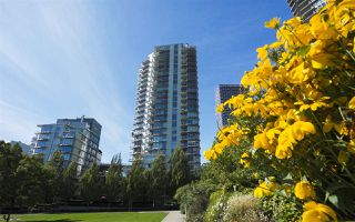 Photo 34: 1801 638 BEACH CRESCENT in Vancouver: Yaletown Condo for sale (Vancouver West)  : MLS®# R2485119