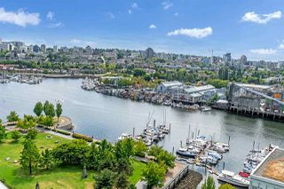 Photo 2: 1801 638 BEACH CRESCENT in Vancouver: Yaletown Condo for sale (Vancouver West)  : MLS®# R2485119
