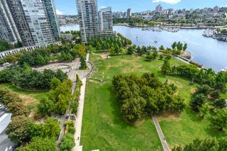 Photo 10: 1801 638 BEACH CRESCENT in Vancouver: Yaletown Condo for sale (Vancouver West)  : MLS®# R2485119