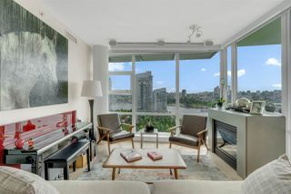 Photo 5: 1801 638 BEACH CRESCENT in Vancouver: Yaletown Condo for sale (Vancouver West)  : MLS®# R2485119