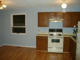 Photo 4:  in CALGARY: Whitehorn Residential Detached Single Family for sale (Calgary)  : MLS®# C3239972