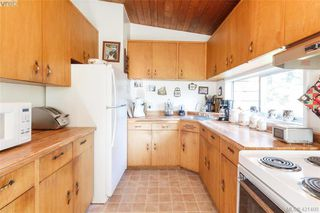 Photo 9: 3331 Biscoe Drive in VICTORIA: SW Tillicum Single Family Detached for sale (Saanich West)  : MLS®# 421400