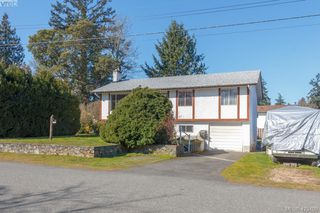 Photo 1: 2938 Oldcorn Place in VICTORIA: Co Hatley Park Single Family Detached for sale (Colwood)  : MLS®# 423409