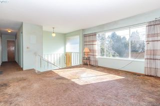 Photo 8: 2938 Oldcorn Place in VICTORIA: Co Hatley Park Single Family Detached for sale (Colwood)  : MLS®# 423409