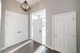 Photo 2: 76 ORCHARD Court: St. Albert House for sale : MLS®# E4194461