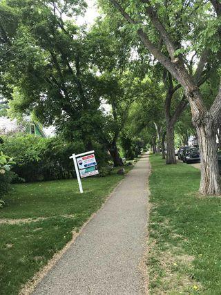 Photo 3: 10042 92 Street in Edmonton: Zone 13 House for sale : MLS®# E4203872