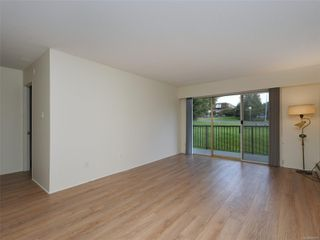 Photo 2: 101 1680 Poplar Ave in : SE Mt Tolmie Condo for sale (Saanich East)  : MLS®# 856970