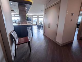 Photo 7: 803 11710 100 Avenue in Edmonton: Zone 12 Condo for sale : MLS®# E4167361