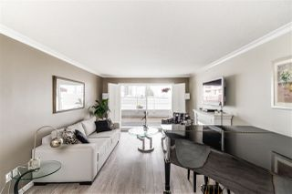"""Photo 1: 103 550 ROYAL Avenue in New Westminster: Downtown NW Condo for sale in """"HARBOURVIEW"""" : MLS®# R2408602"""