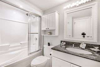 """Photo 12: 103 550 ROYAL Avenue in New Westminster: Downtown NW Condo for sale in """"HARBOURVIEW"""" : MLS®# R2408602"""