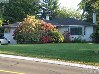Main Photo: 1761 Ash Road in VICTORIA: SE Gordon Head Single Family Detached for sale (Saanich East)  : MLS®# 417101