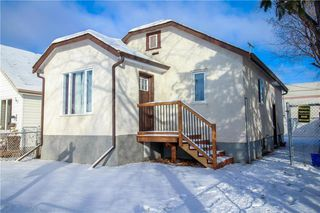 Photo 1: 751 McCalman Avenue in Winnipeg: East Elmwood Residential for sale (3B)  : MLS®# 202000105