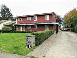 Photo 1: 2142 MCCAFFREY Road: Agassiz House for sale : MLS®# R2427686