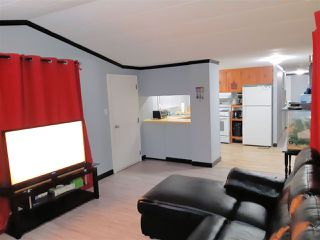 """Photo 3: 21 8266 KING GEORGE BOULEVARD Boulevard in Surrey: West Newton Manufactured Home for sale in """"Plaza"""" : MLS®# R2431295"""
