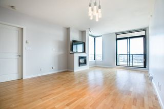 Photo 2: 1103 15 E ROYAL Avenue in New Westminster: Fraserview NW Condo for sale : MLS®# R2480972