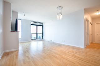 Photo 3: 1103 15 E ROYAL Avenue in New Westminster: Fraserview NW Condo for sale : MLS®# R2480972