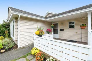 Photo 2: A 530 25th St in : CV Courtenay City Half Duplex for sale (Comox Valley)  : MLS®# 856579